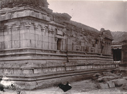Facade of west end of shrine of Vitthala Temple, Vijayanagara